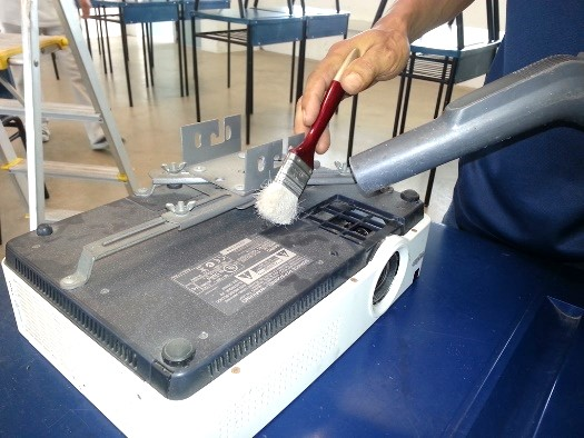general projector maintenance and cleaning 2